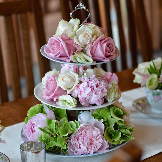 cakestand-oxford-flowers