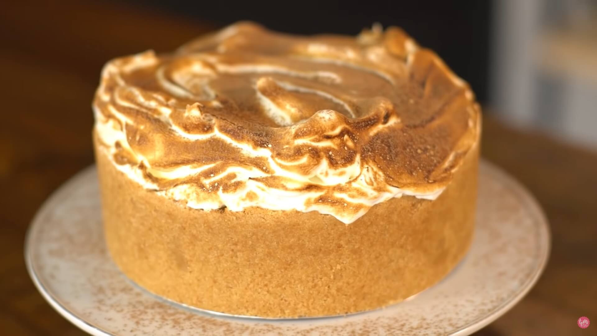 Imagem: Torta de chocolate e merengue da Ju Ferraz, do TPM.