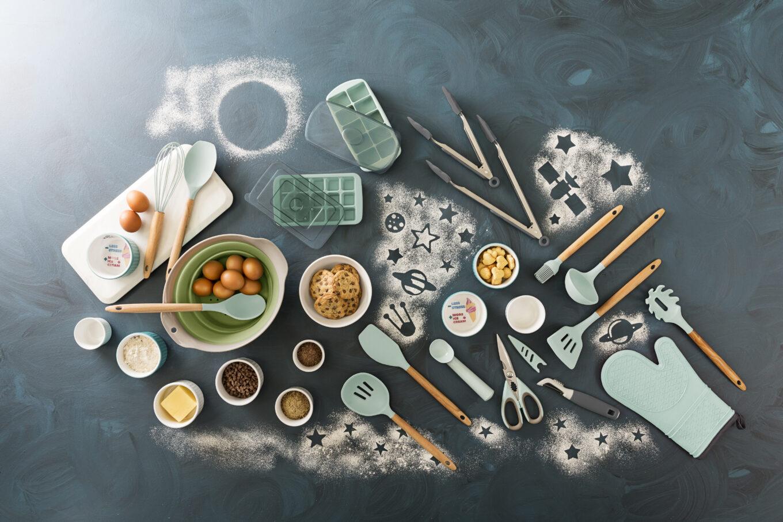 Texto: Alguns utensílios são indispensáveis para dar o primeiro passo na tarefa de cozinhar. A Oxford dispõe de uma linha completa de utensílios para te ajudar neste momento. Foto: Carpintaria Estúdio.