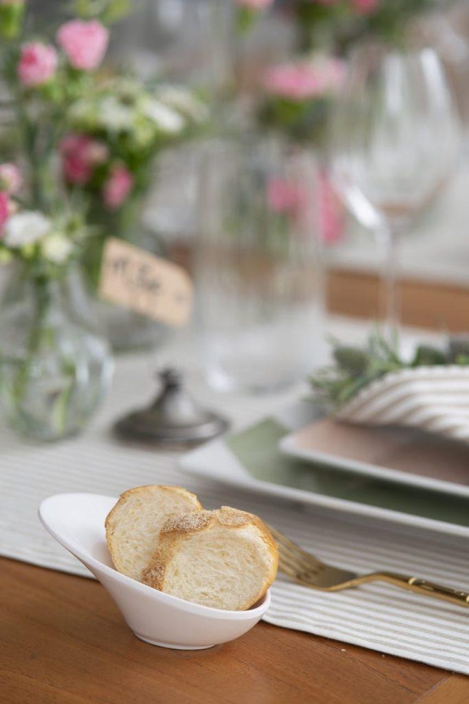 Detalhe da mesa de almoço do Dia das Mães.