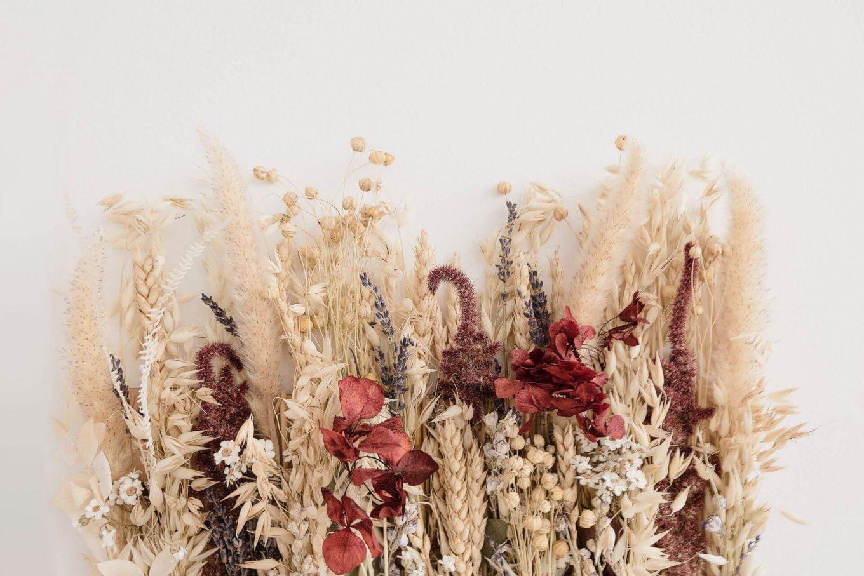 Como combinar as cores das flores secas
